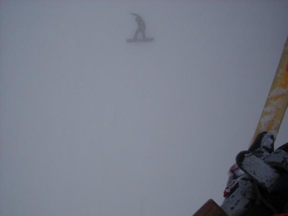 11.02.2009 13:45 Сноубордист в тумане на 3-ке